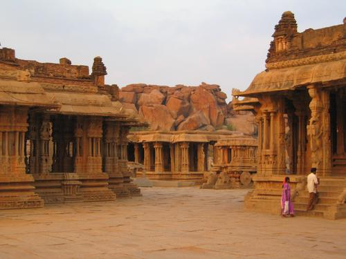 Hampi's great temples from 600 years ago
